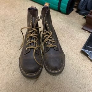 Like- new dr.marten boots.